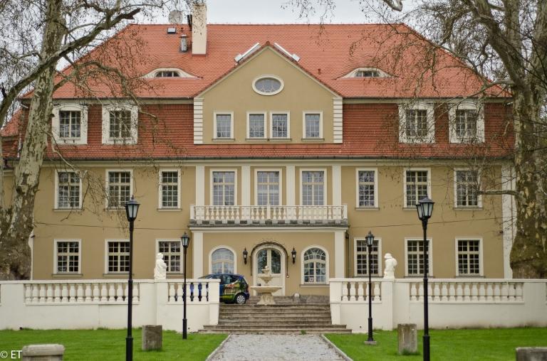 Pałac w Brzezinie